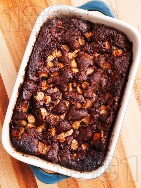 Лесен домашен какаов кекс с банани и лешници - снимка на рецептата